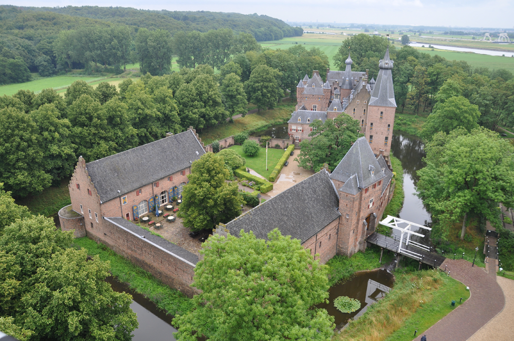 https://www.daguitje.nl/wp-content/uploads/2015/04/foto-kasteel-Doorwerth.groot_.png